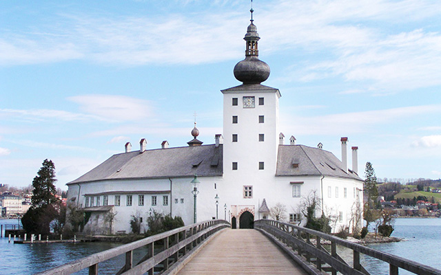Das Seeschloss Ort